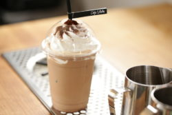 CAFE LAube 1号店